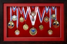 Медали в объёмном оформлении в коробке с паспарту под музейным стеклом._1
